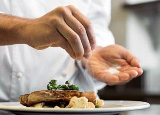 Muối ăn cũng tiềm ẩn bệnh tật